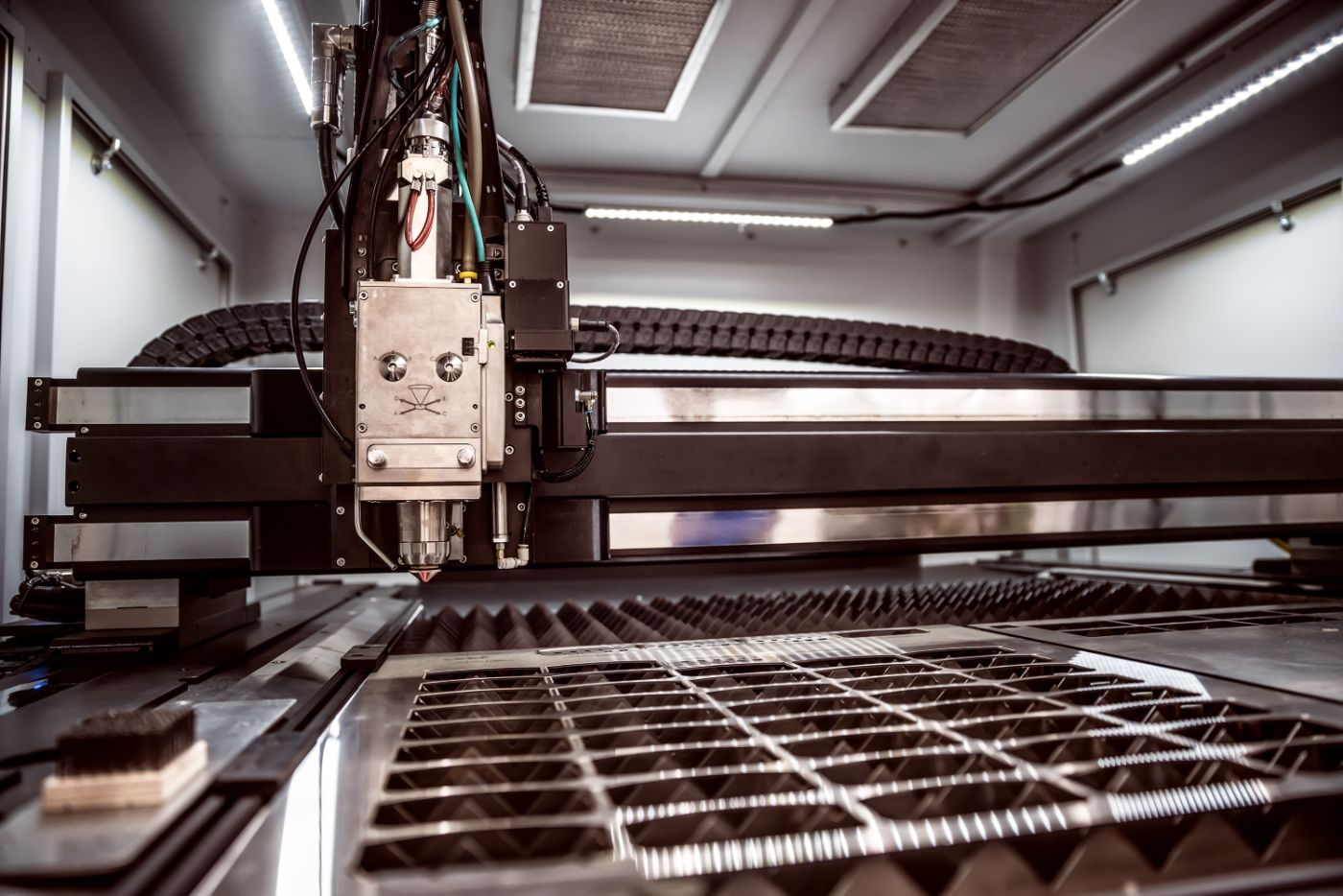 cnc-laser-cutting-of-metal-modern-industrial-PYQPRRC